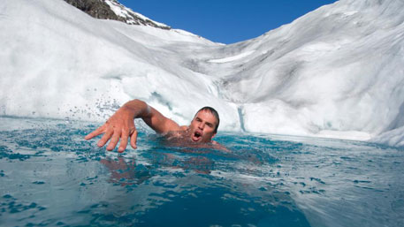 Человек в ледяной воде - физическая беспомощность (сбой плавания)